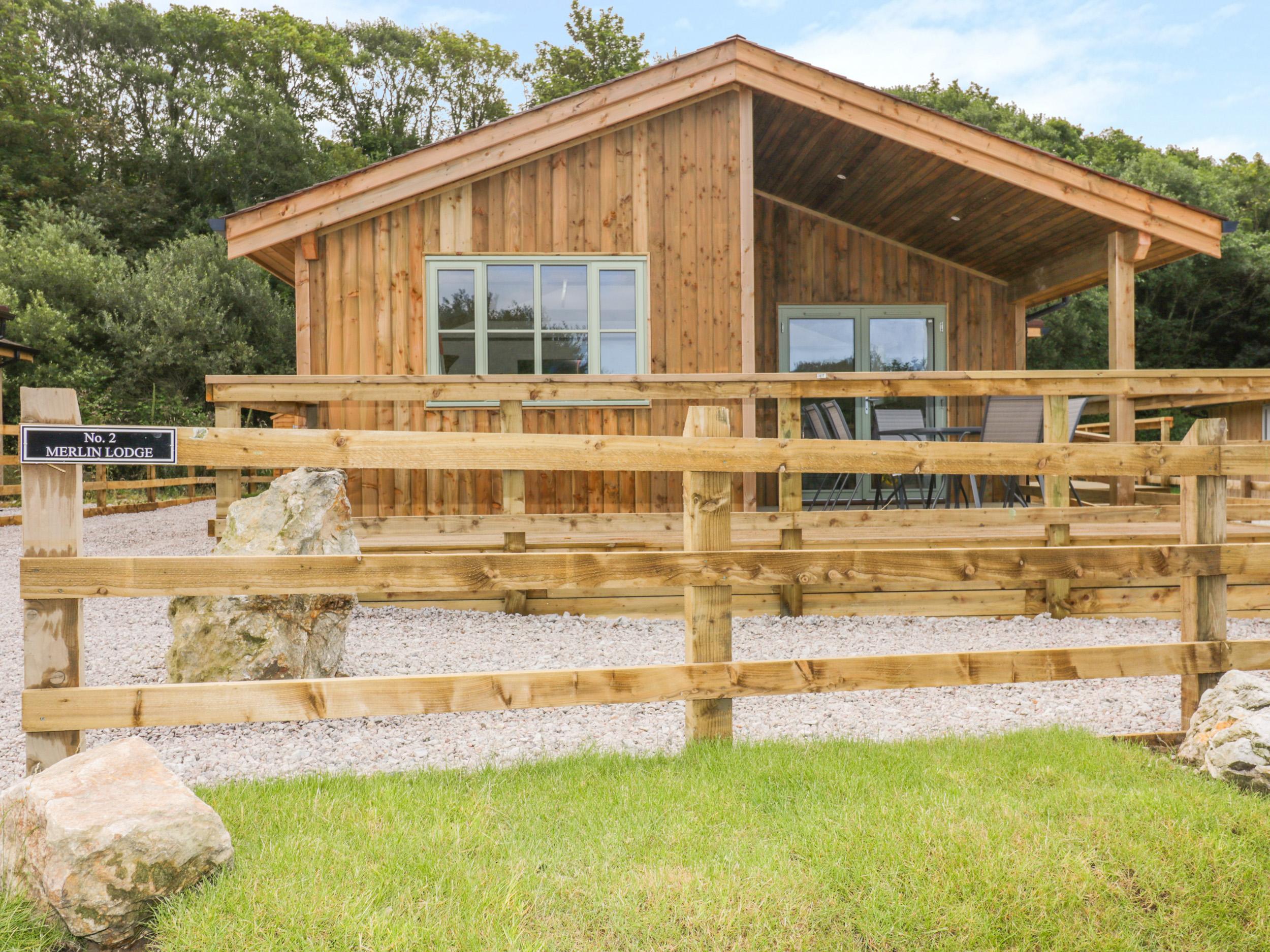 2 Merlin Lodge