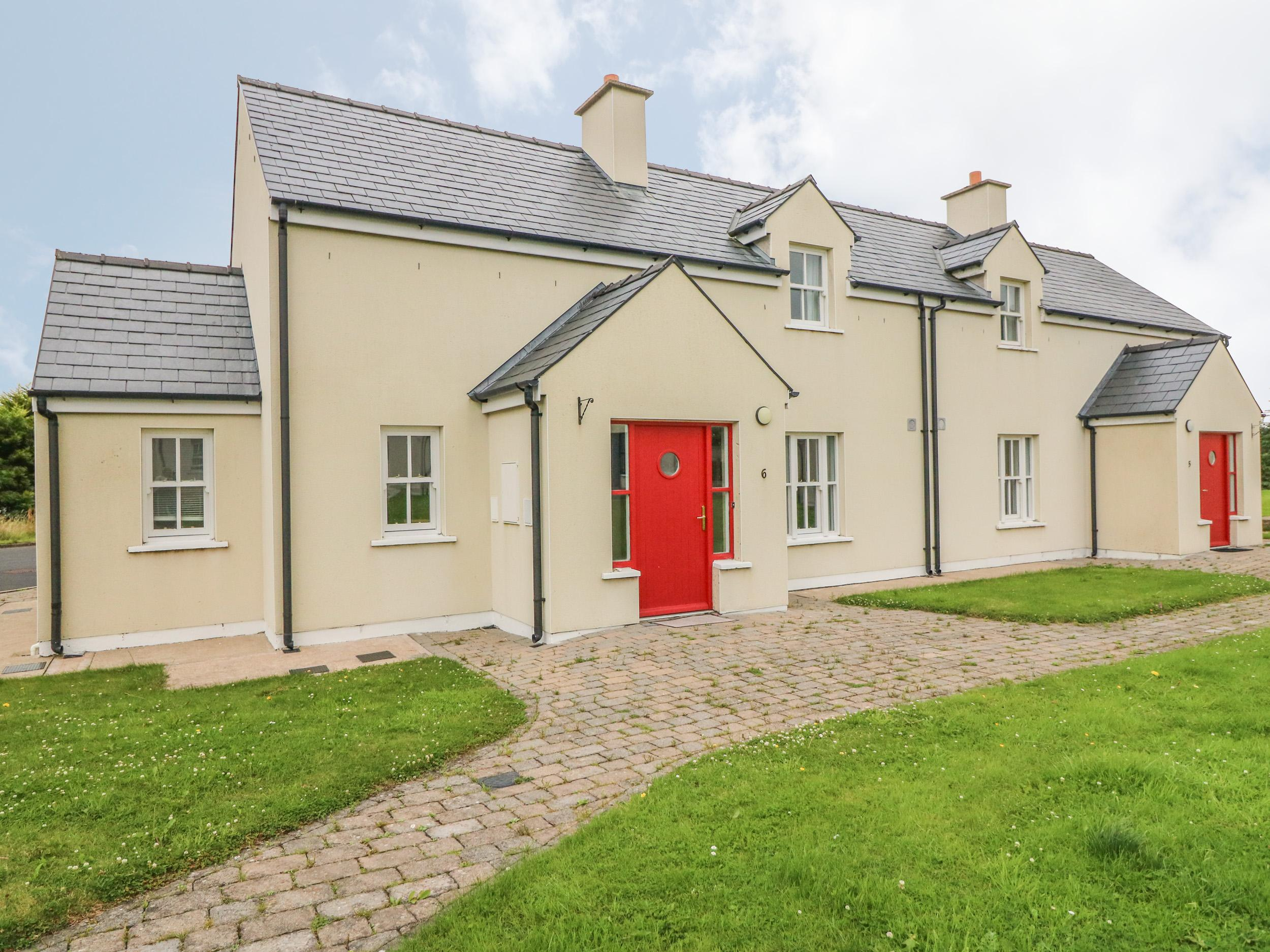 Holiday Cottage Reviews for No. 6 An Seanachai Holiday Homes - Holiday Cottage in Dungarvon, Waterford