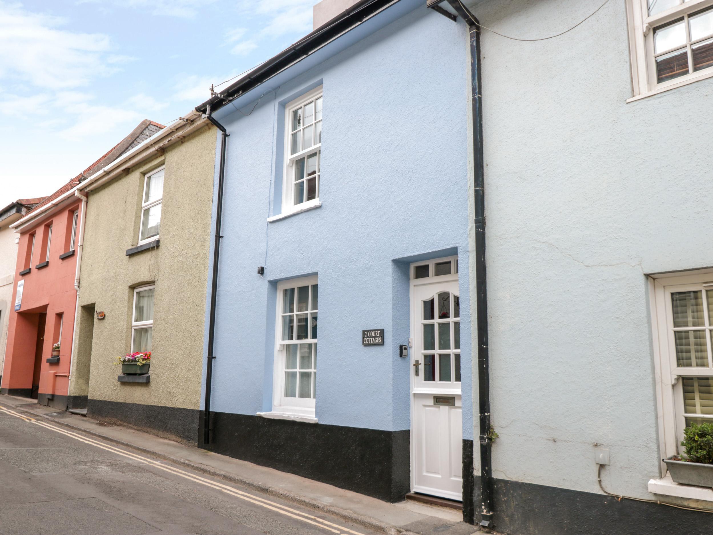 2 Court Cottages