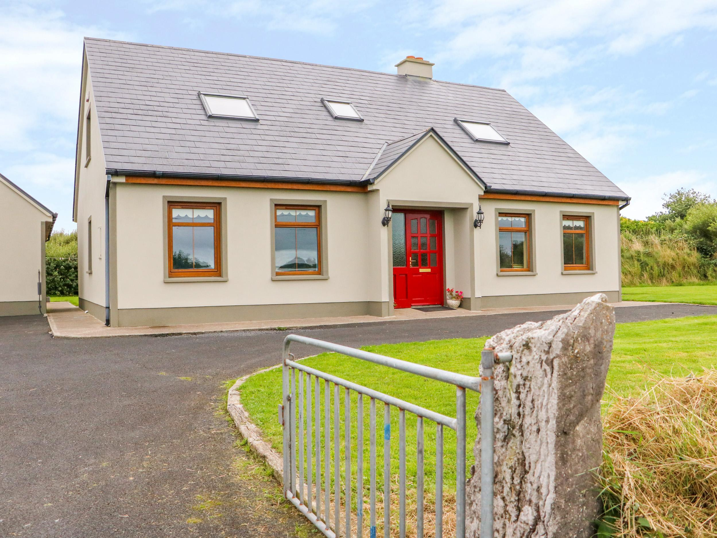 Holiday Cottage Reviews for Serene House - Holiday Cottage in Spanish Point, Clare