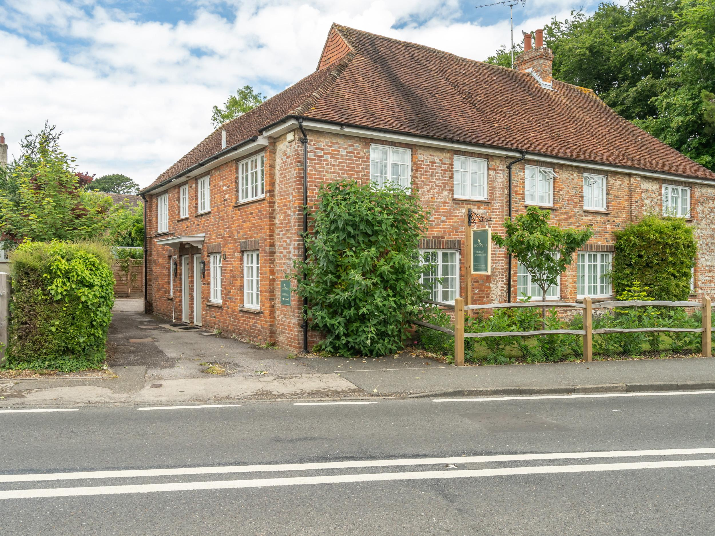 Holiday Cottage Reviews for Goodwood Cottage - Holiday Cottage in Chichester, West Sussex