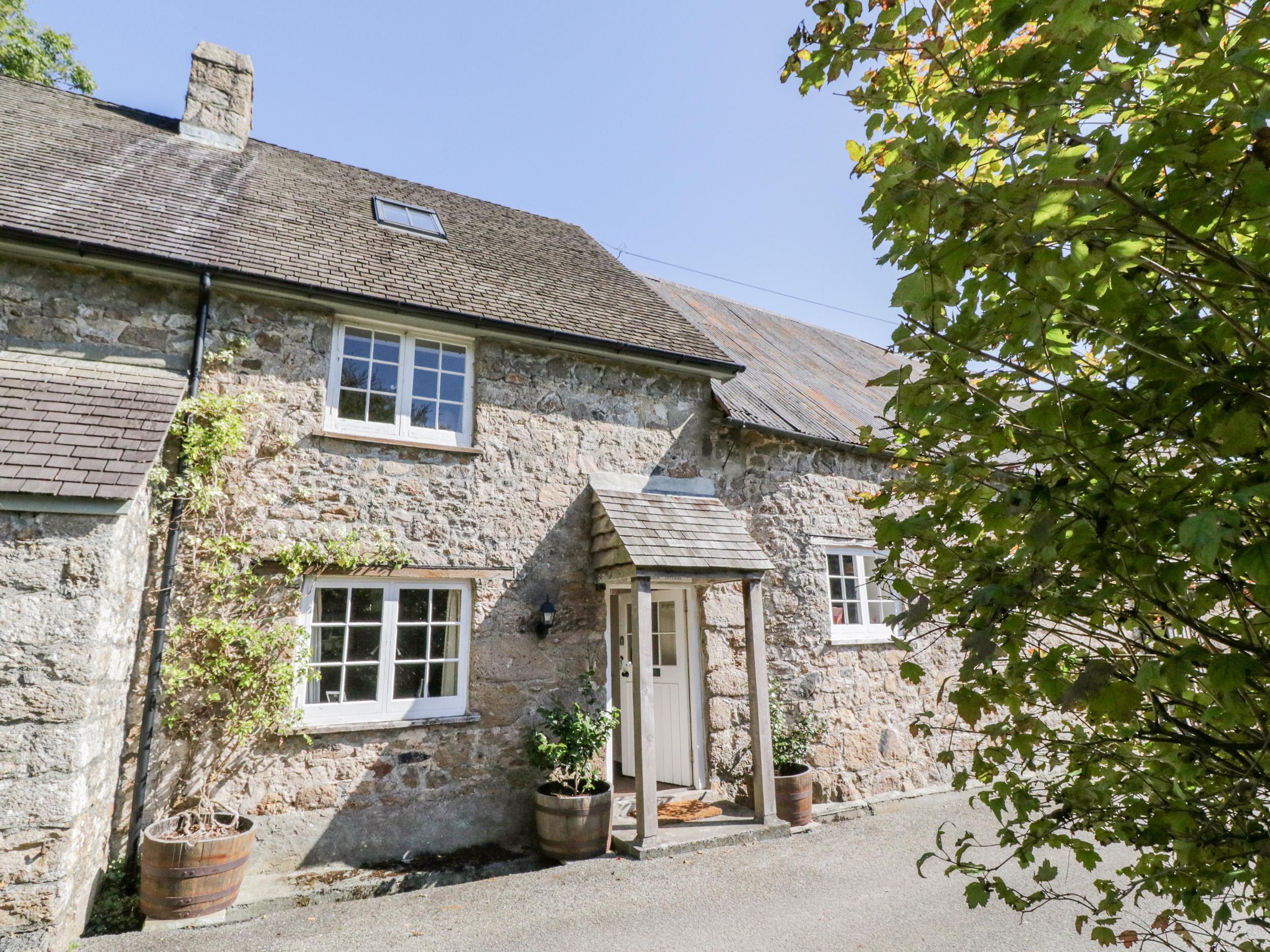 Cromlech Cottage