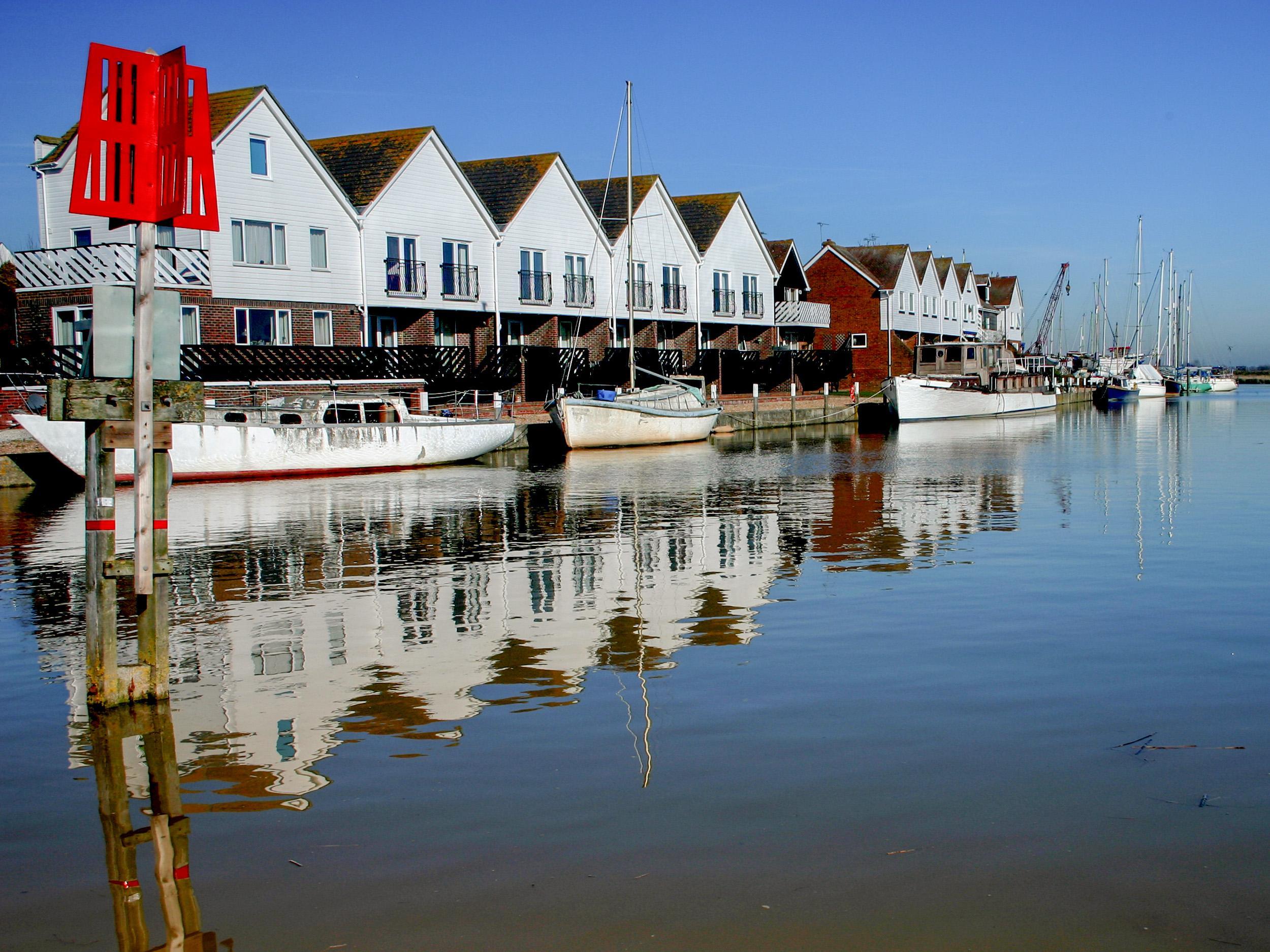 17 The Boathouse