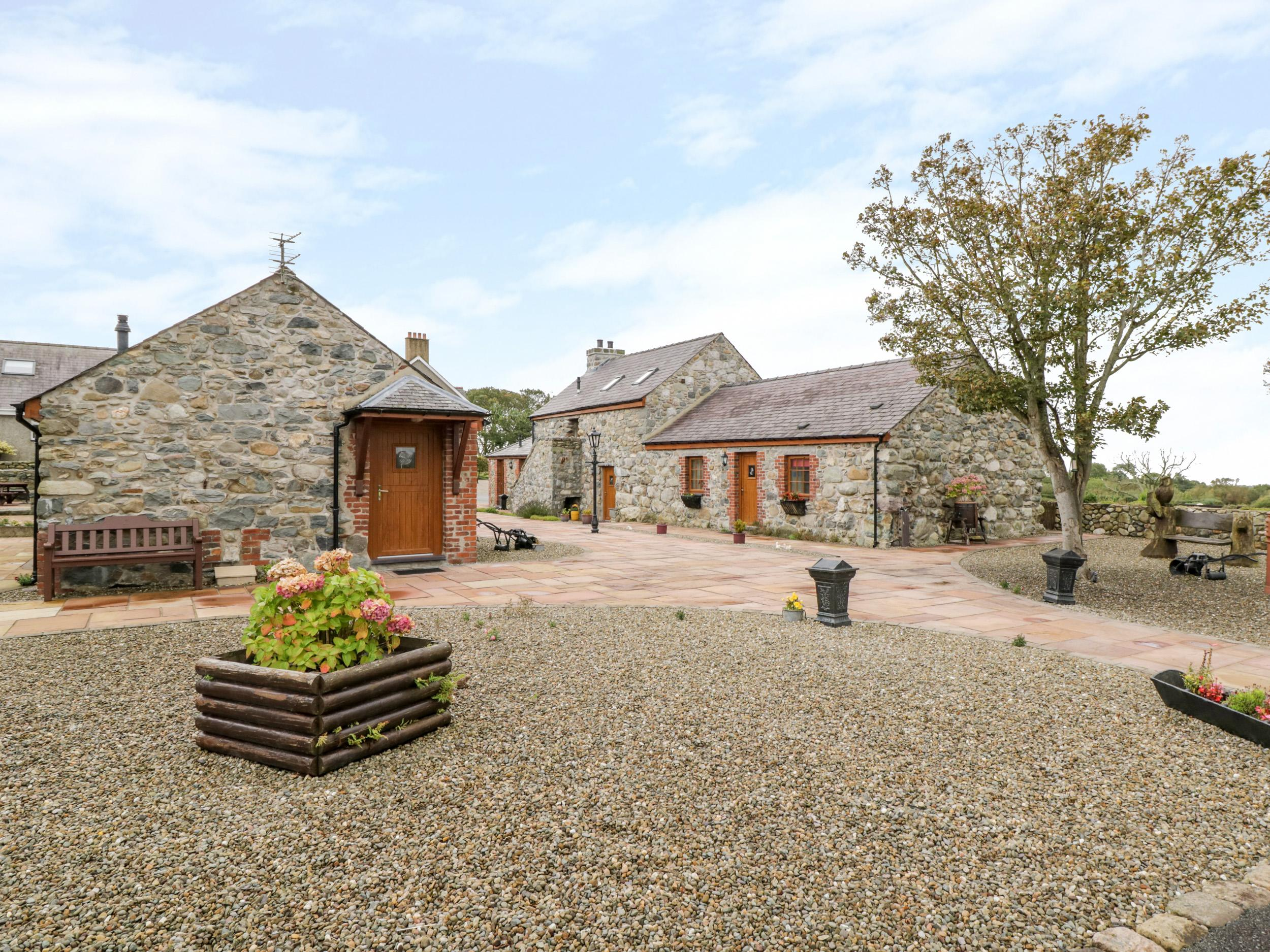 Holiday Cottage Reviews for Lavender Cottage - Cottage Holiday in Caeathro, Gwynedd