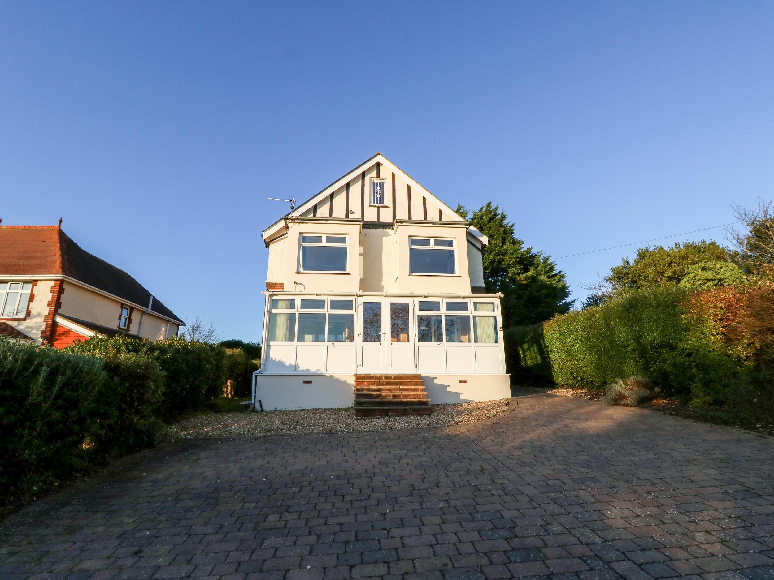 Holiday Cottage Reviews for 5 The Mall - Holiday Cottage in Sandown, Isle of Wight
