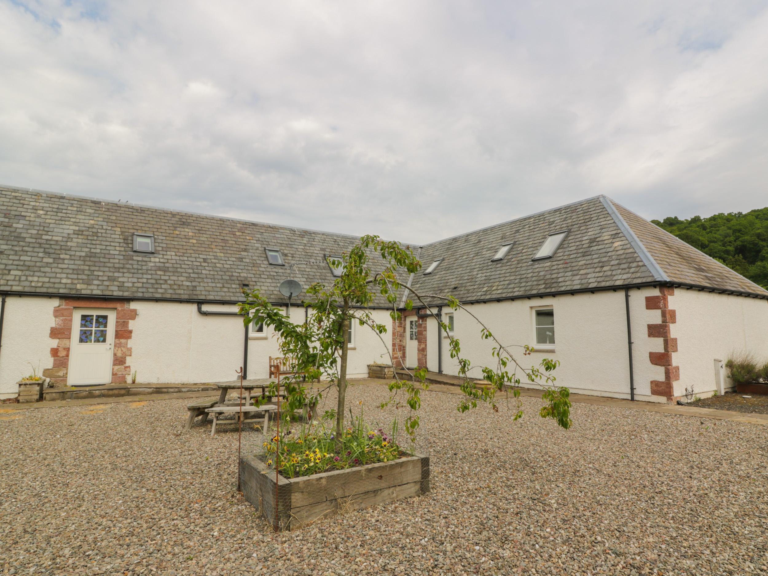 Lon Cottage