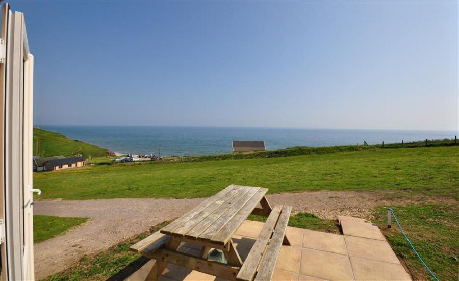 Holiday Cottage Reviews for Siesta Chalet -  in Bridport, Dorset