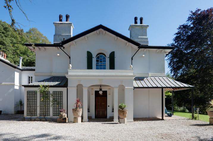 Singleton Manor