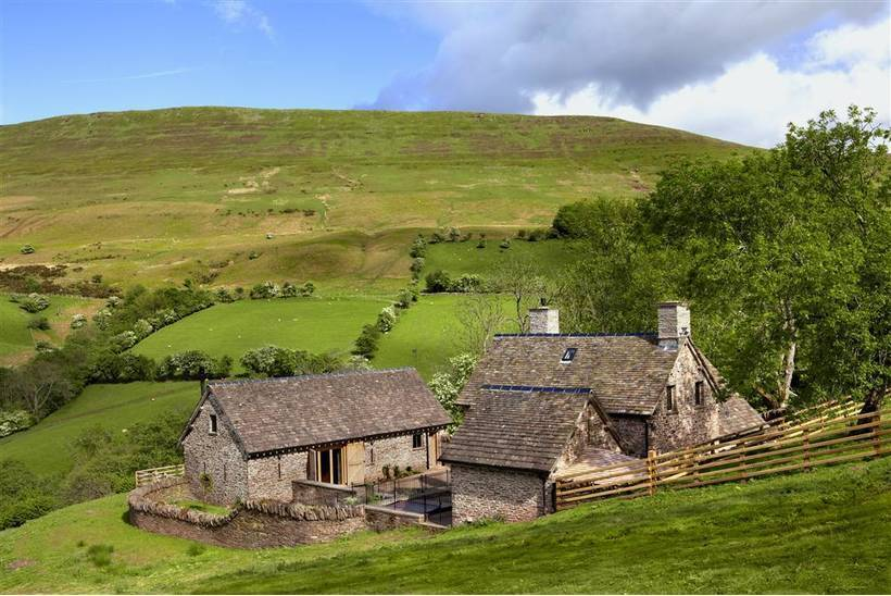 The House In The Hills Hay Bluff16