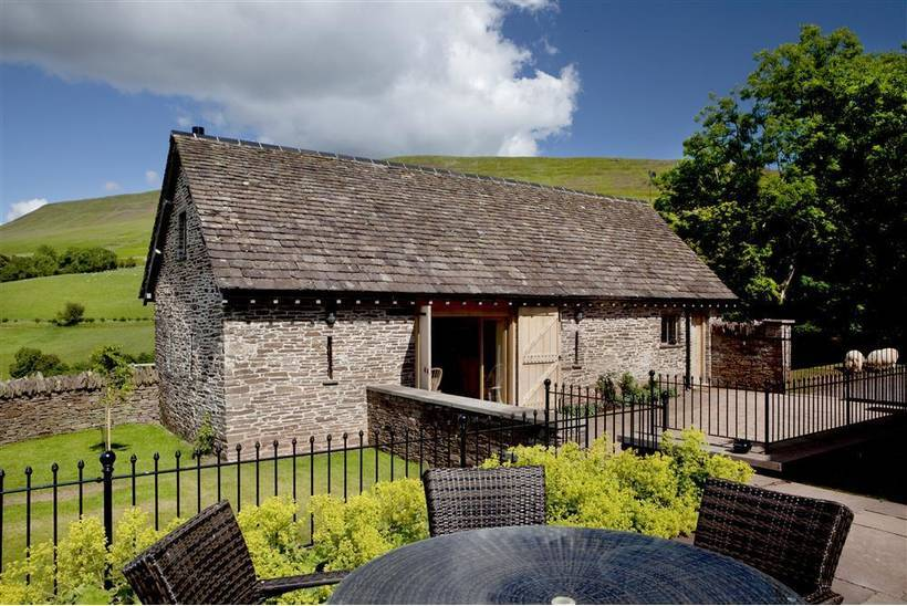 The House In The Hills Hay Bluff9