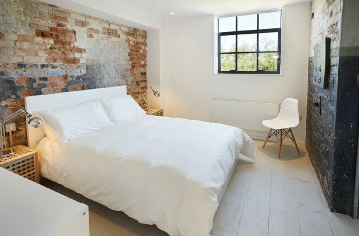 The Pump House Hilgay Ensuite Bedroom