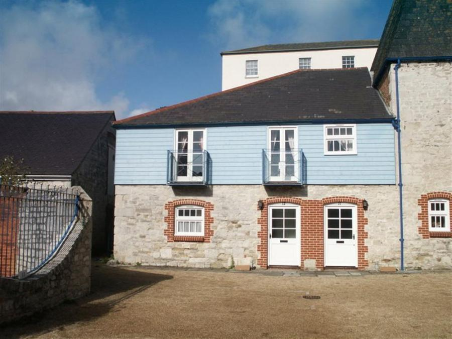Holiday Cottage Reviews for Upsidedown House -  in Weymouth, Dorset