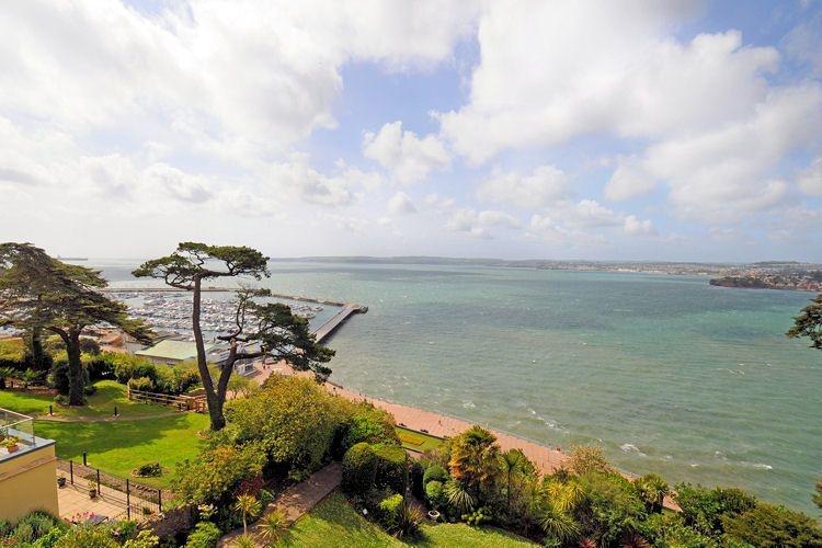 Ocean Shangri-La, Bay Fort Mansions