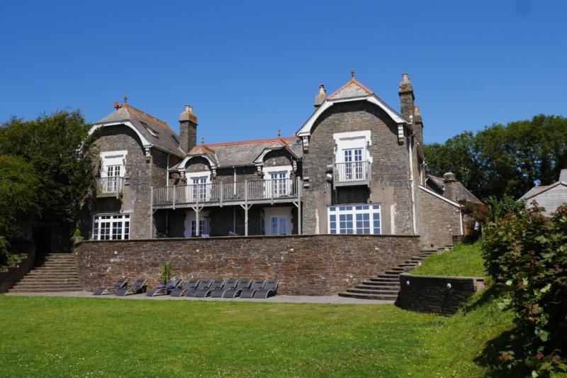 Summer Terrace Manor