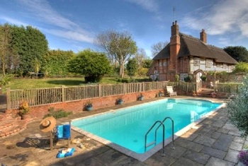 Farmhouse with Swimming Pool