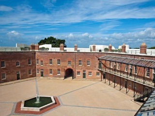 Palmerston House, Golden Hill Fort