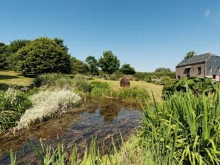 Mowhay Barn, Millbrook